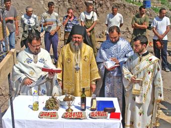 http://www.povardarska-eparhija.org.mk/pe/images/stories/poloskiosvet7.jpg